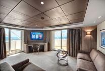 Yacht Club Suite Royale