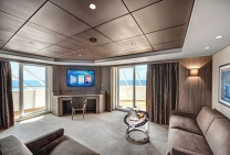 Yacht Club Suite Royale
